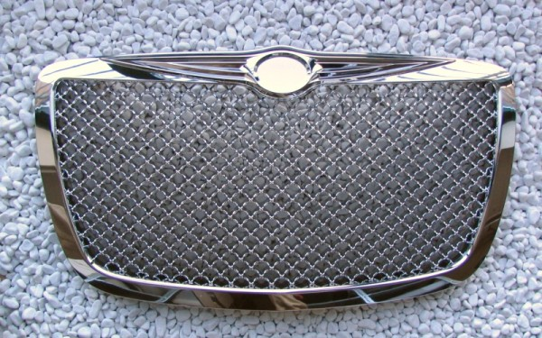 Frontgrill CHROM Chrysler 300, 300C (1. Generation)
