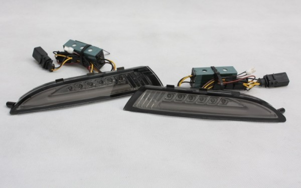 LED-Frontblinker SET SCHWARZ für VW Scirocco 3 mit LIGHT-BAR Standlicht